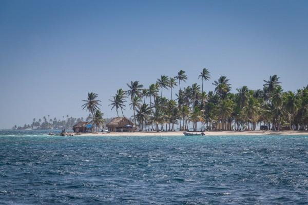 Kurs auf eine der 50 bewohnten Inseln.