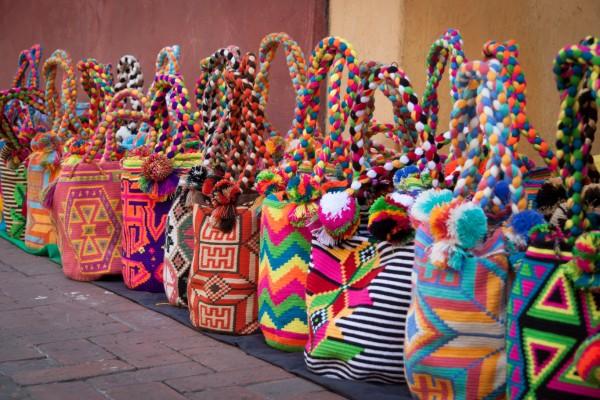 Die traditionellen Mochila-Taschen hängen nicht nur von der Schulter eines jeden Kolumbianers, sondern jetzt auch von meiner =D
