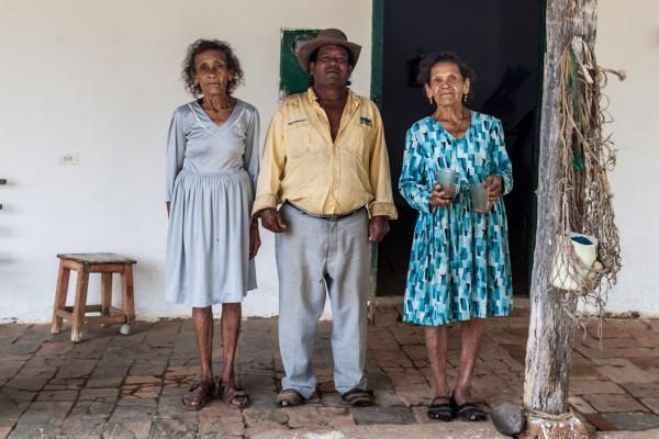 Als Dankeschön gab es selbstfermentierte Chicha (Maisbier) und dieses Abschiedsbild mit Schwester und Cousin.